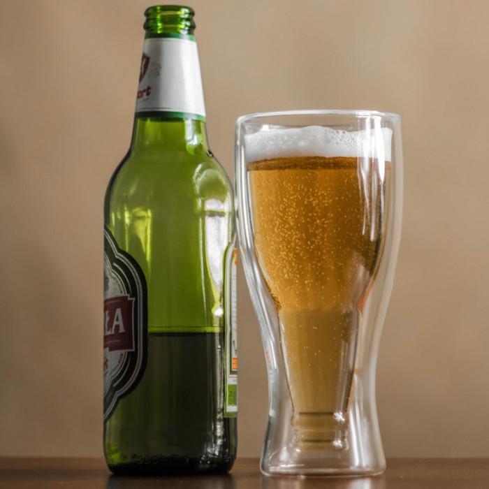 Butelka w Szklance